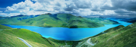 Yamdrok Tso Lake panorama Royalty Free Stock Photography