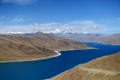 Yamdrok Tso sjö Arkivfoton