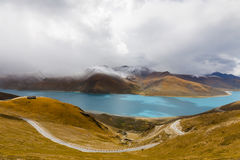 Yamdrok Yumsto Lake in Tibet Stock Photography