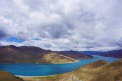Yamdrok Yumtso sjö, Tibet fotografering för bildbyråer