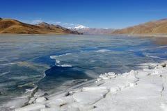 YamdrokTso, λίμνη, λίμνη οροπέδιων, παγωμένη λίμνη, Θιβέτ, Lhasa Στοκ Φωτογραφίες