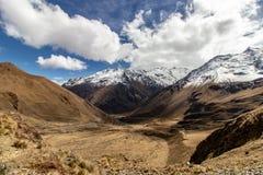Yanama passa sopra il viaggio di Choquequirao a Machu Picchu, Perù, Sudamerica fotografia stock libera da diritti