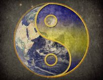 Yang de Yin sur le vintage de grunge d'univers de la terre image libre de droits