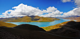 The yang lake(Yamzhog Yumco) Royalty Free Stock Photos