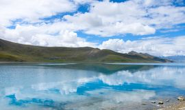 Yang Zhuo Yong Lake in Tibet Royalty Free Stock Photos