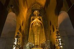 YANGON, ΤΟ ΜΙΑΝΜΆΡ - 25 ΑΠΡΙΛΊΟΥ: Παγόδα Shwedagon σε Yangon Στοκ Φωτογραφία
