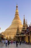Yangon, το Μιανμάρ - 19 Φεβρουαρίου 2014:  Παγόδα Shwedagon Στοκ Εικόνες