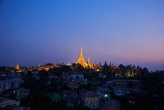 Yangon entro la notte Immagini Stock