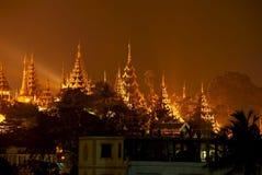 Yangon entro la notte immagine stock libera da diritti