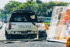 Yangon, Myanmar - 19 februari 2014: Binnenlandse binnen geplakte mening van taxi Stock Afbeelding