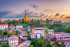 Yangon Myanmar horisont royaltyfri fotografi