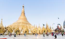 YANGON MYANMAR, KWIECIEŃ, - 25: Shwedagon pagoda w Yangon Obraz Royalty Free