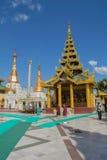 Yangon, Myanmar, 10 November, 2014 - binnen Shwedagon Royalty-vrije Stock Fotografie