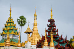 YANGON, MYANMAR- SEPTEMBER 10, 2016: Myanmar famous sacred place and tourist attraction landmark, Shwedagon Paya Pagodas Complex i Royalty Free Stock Images