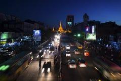Yangoon en la noche Imágenes de archivo libres de regalías