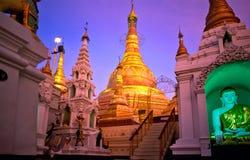 yangoon shwedagon paya myanmar стоковое фото