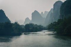 Yangshou και ο ποταμός yulong στοκ φωτογραφίες με δικαίωμα ελεύθερης χρήσης