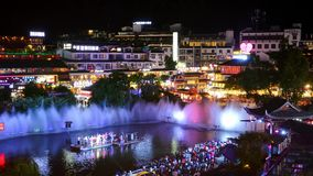 Yangshuo, China - 27 de julio de 2018: Lapso de tiempo del parque escénico de la ciudad de Yangshuo almacen de metraje de vídeo