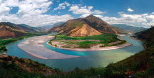 Yangtze River First Bay. The first is located in the Yangtze River Bay Chinese city of Lijiang in Yunnan Province town of Shek Kwu, Taotao river from the Qinghai Stock Photography