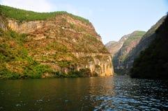 Yangtze Three Gorges pequeno em Wushan China Imagens de Stock