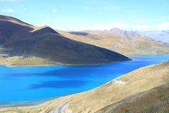 yangzhuoyong озера s Тибета стоковые фотографии rf