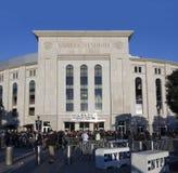 Yankee Stadium vlak vóór een spel in Bronx Stock Afbeeldingen