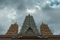 Yannasang Wararam寺庙Wat Yannasan uprisen视图天使  免版税图库摄影