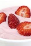 Yaourt de fraise photographie stock libre de droits