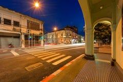 Yaowarat路 有老大厦的普吉岛老镇在中葡萄牙样式 免版税库存照片
