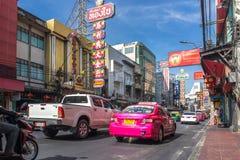 YAOWARAT, BANGKOK, TAILANDIA -10 GENNAIO 2016: Traffico nel mornin Fotografia Stock