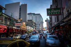 YAOWARAT,曼谷,泰国2016年1月-10, :在mornin的交通 免版税库存图片