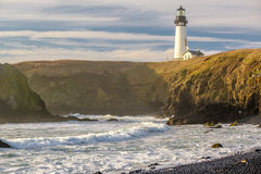 Yaquina朝向灯塔在太平洋海岸,在1873年修造 库存照片