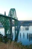 Yaquina海湾桥梁在纽波特,俄勒冈 免版税图库摄影