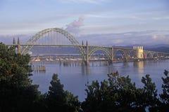 Yaquina海湾桥梁在纽波特,俄勒冈 免版税库存照片
