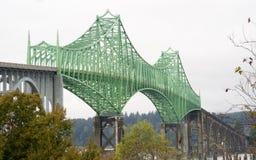 Yaquina海湾桥梁高速公路101纽波特俄勒冈美国 免版税库存照片