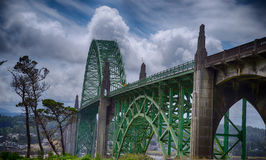 Yaquina fjärdbro, Newport Oregon Arkivfoton