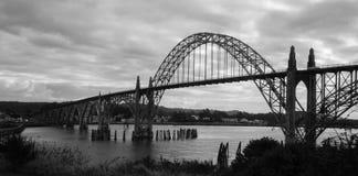 Yaquina Schacht-Brücke lizenzfreie stockbilder