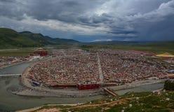 Yarchen Gar Monastery dans Garze tibétain image stock