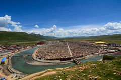 Yarchen Gar Monastery i Garze, Kina Royaltyfri Foto