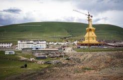 Yarchen Gar Monastery i Sichuan, Kina Royaltyfri Fotografi