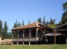 Yard des alten Hauses Lizenzfreies Stockfoto