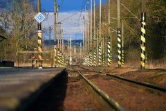 Yard ferroviaire avec des poteaux Image libre de droits