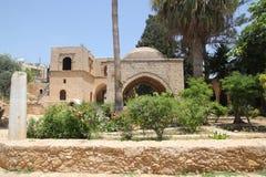 Yarda Agia Napa de la corte del monasterio fotos de archivo libres de regalías