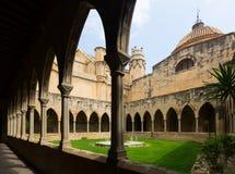 Yarda de la catedral de Tortosa Fotos de archivo
