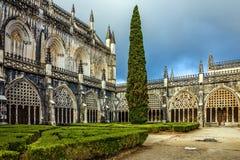 Yarda interna del monasterio medieval dominicano de Batalha, Portugal Imagen de archivo libre de regalías