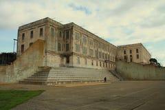 Yarda y edificio del prision de Alcatraz Imagen de archivo libre de regalías