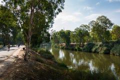 Yarkon flod i Tel Aviv Arkivfoton