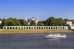 Yaroslav sąd w Veliky Novgorod - biznesu antyczny miasto strona obraz royalty free