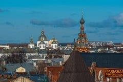 yaroslavl Εικόνα της αρχαίας ρωσικής πόλης, άποψη από την κορυφή Όμορφα σπίτι και παρεκκλησι Στοκ Φωτογραφίες