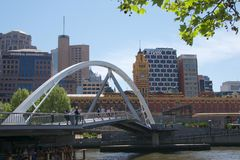 Yarra Footbridge nad Yarra rzeką w Melbourne, Australia Fotografia Stock